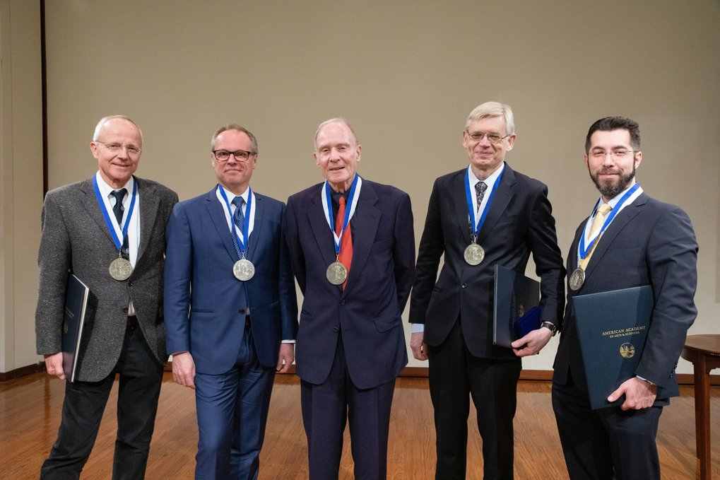 2019: Ernst Bamberg received the Rumford Prize of the American Academy of Arts and Sciences